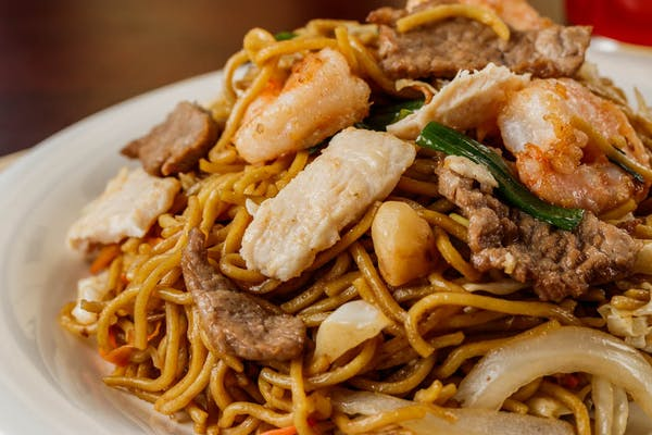 26. House Special Lo Mein