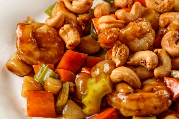 76. Shrimp with Cashew Nuts