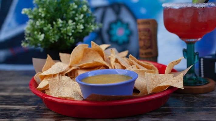 Salsa Verde & Chips