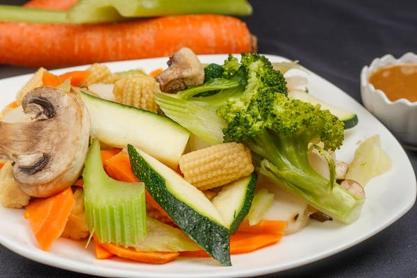Steamed Vegetables with Sauce