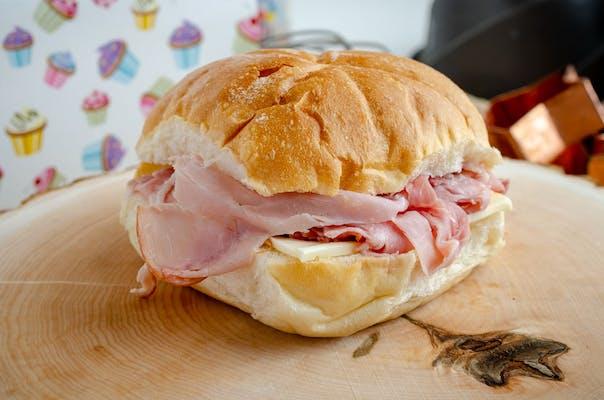 Ham & Cheese Bun Sandwich