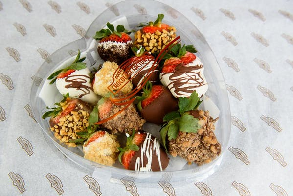 (1 lb.) Milk Chocolate-Covered Strawberries