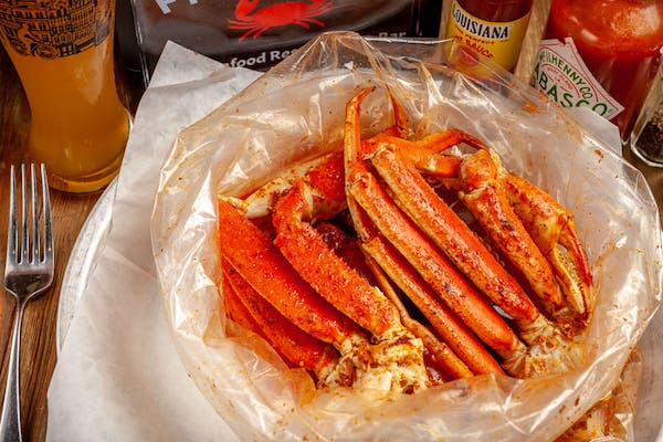 Boiled Snow Crab Legs