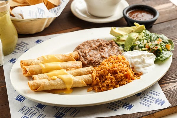 (4) Chicken Flautas
