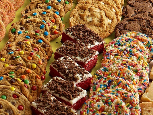 Combo Platter (12 Cookies and 6 Brownies)