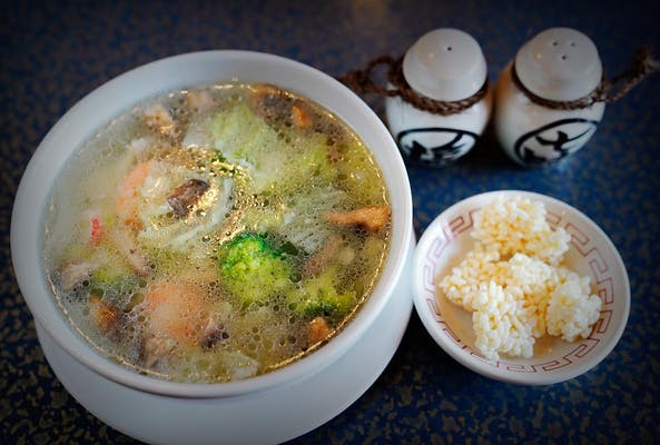 S5. Shrimp & Chicken Sizzling Rice Soup