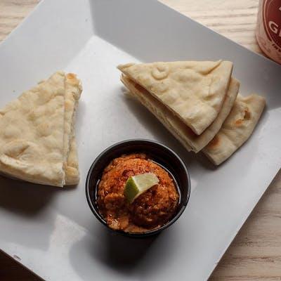 Warm Pita Bread & Hummus