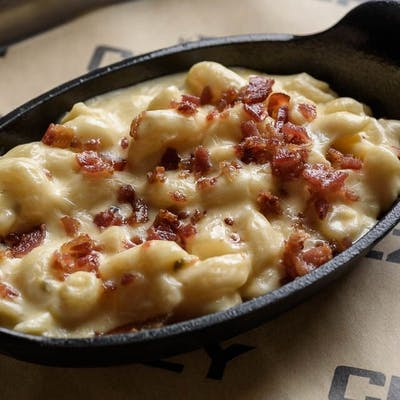 Four-Cheese Bacon Mac 'N' Cheez