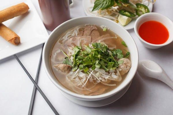 N1. Special Lee Noodle Soup