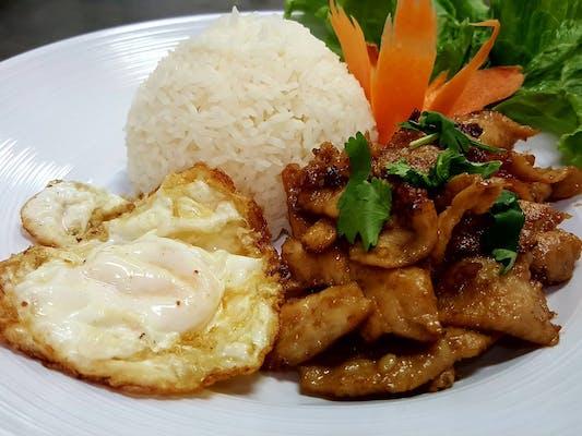 Pad Garlic Stir-Fry Lunch