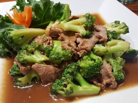 Pad Broccoli Stir-Fry Lunch