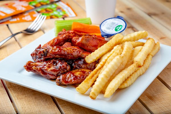 (10 pc.) Wings & Fries Combo