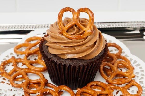 Caramel Crunch Cupcake