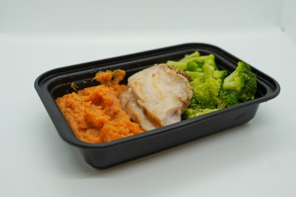 #2 Smoked Chicken Breast, Roasted Broccoli & Sweet Potato