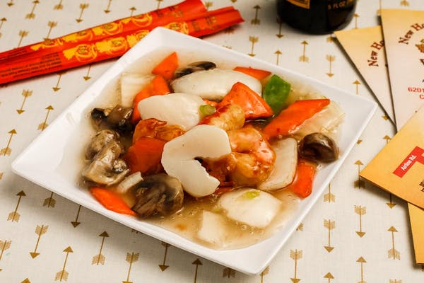 3. Seafood Deluxe