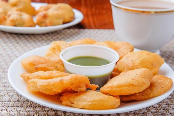 Aloo Pakoda (Potato Fritters)