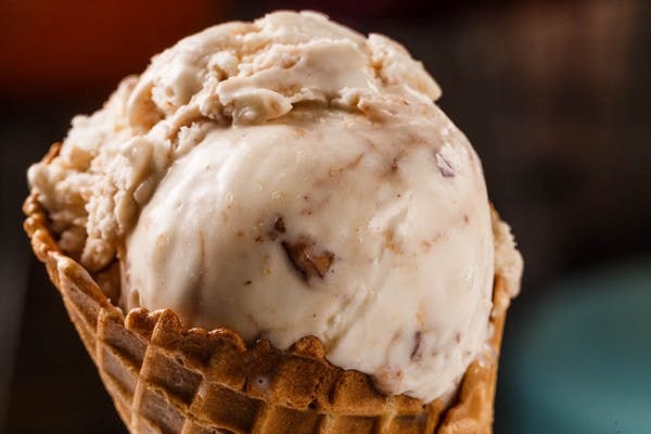 Pralines & Cream Hand Scoop
