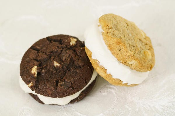 Froyo Cookie Sandwich