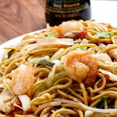 M6. House Lo Mein
