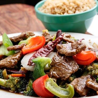 D6. Hunan Beef Platter