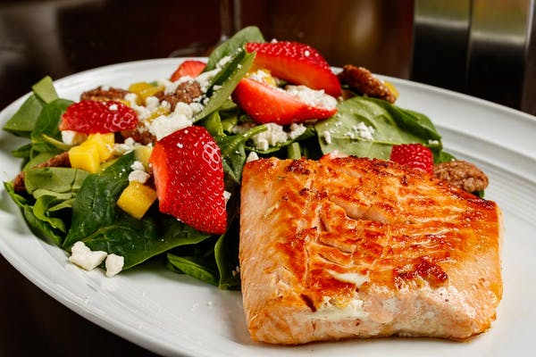 Maple Sugar Seared Salmon Salad
