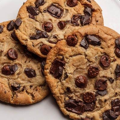 Giant Gourmet Cookie