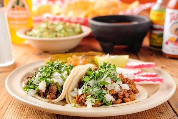 (2) Tacos de Asada con Arroz y Frijoles