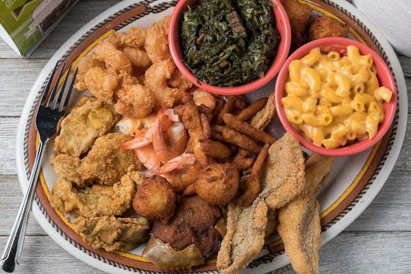 Mack's Giant Seafood Platter