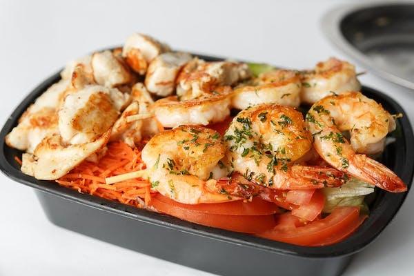 Grilled Shrimp & Chicken Garden Salad