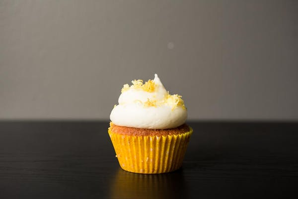 Lemon Kiss Cupcake