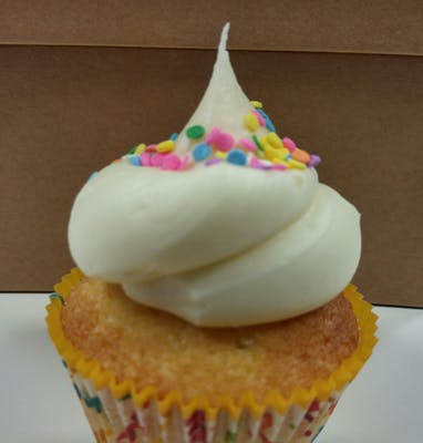 Cream Cloud Cupcake