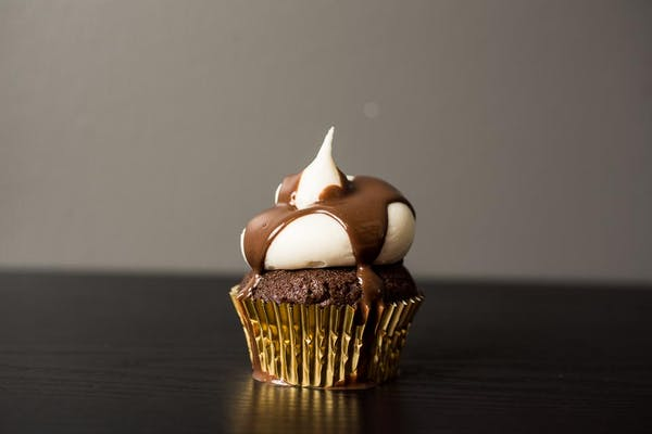 Chocolate & Cream Cheese Cupcake