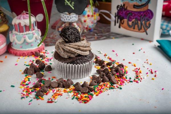 Cookies-n-Cream Cupcake