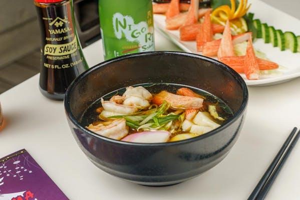 4. Seafood Noodles (Soup)
