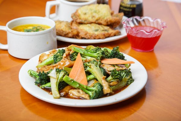 C7. Chicken with Broccoli