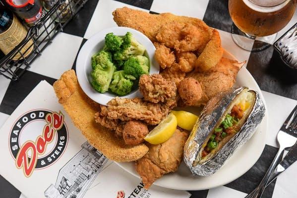 Doc's Super Seafood Platter