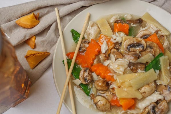 L9. Moo Goo Gai Pan ( Chicken )