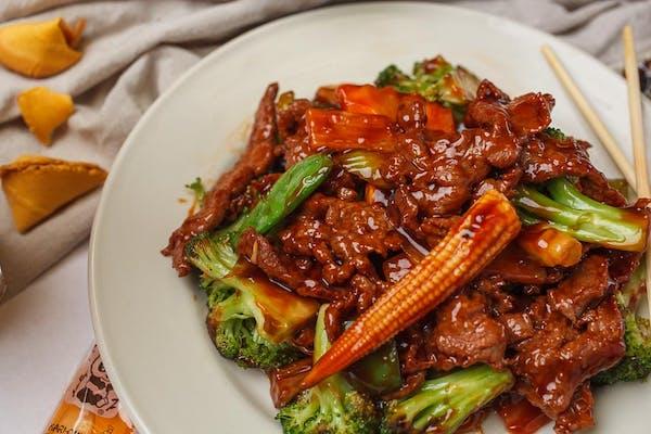 L26. Hunan Beef