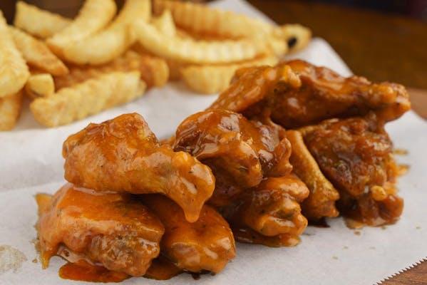 (10 pc.) Bone-In Wings & Fries