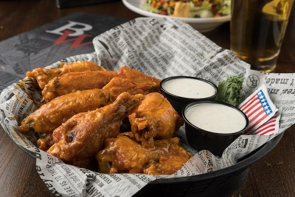 Classic Bone-in Jumbo Wings