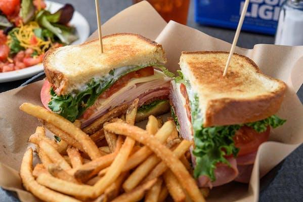Pub Club Sandwich