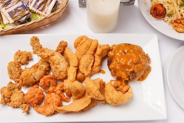 Breaux's Seafood Platter