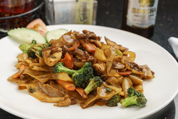 Pad Se Eiw Lunch Special