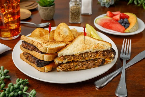 Hill Topper's Meatloaf Sandwich