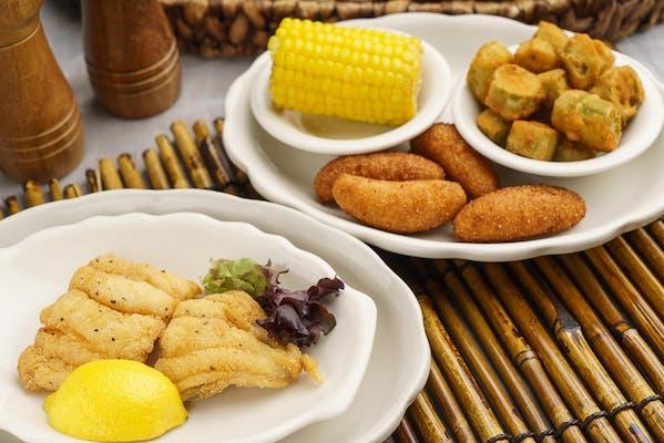 Fried Catfish Fillet Entrée