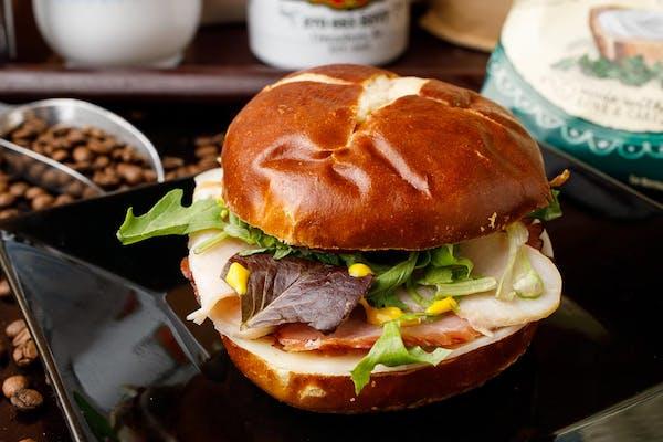 Bomb Diggity Sandwich & Chips