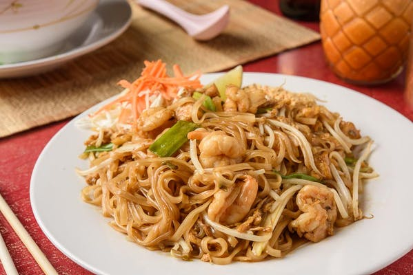 N1. Pad Thai & Crushed Peanuts