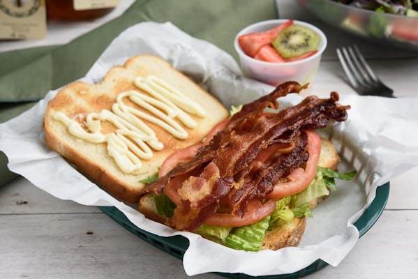 Traditional BLT Sandwich