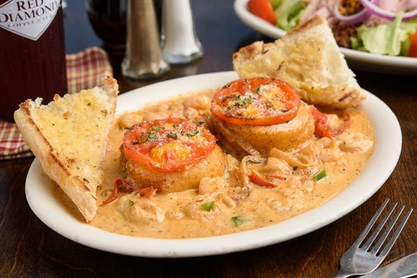 Creole Shrimp & Grit Cakes with Garlic Toast