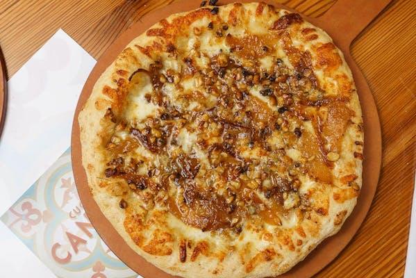 Pear & Goronzola Pizza